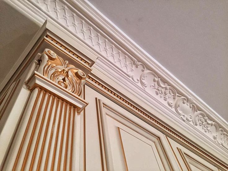 Nomidis Luxury Furniture. Classic wardrobe. Patina. #classic#wardrobe#classicwardrobe#classicstyle#luxury