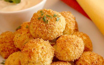 Οι τυροκροκέτες είναι γευστικές και τρώγονται κάθε στιγμή της ημέρας. Εμείς σας προτείνουμε μία πολύ εύκολη συνταγή για την οποία θα χρειαστείτε μόνο 3 υλικά! ΥΛΙΚΑ: 2 αυγά 6 κουταλιές της σούπας κορν φλάουρ 1/2 κιλό τριμμένο τυρί Milner ΕΚΤΕΛΕΣΗ: Σ'ένα μπωλ ανακατεύουμε καλά το αυγό με το κορνφάλουρ. Προσθέτουμε το τυρί και πλάθουμε μπαλίτσες. …