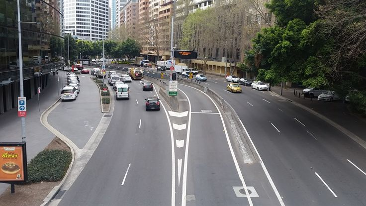 Road going to Darling Harbour