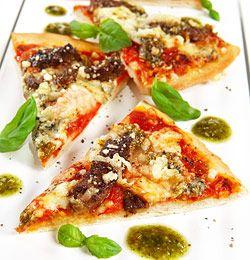 Biffpizza med hvitløk- og urtesaus