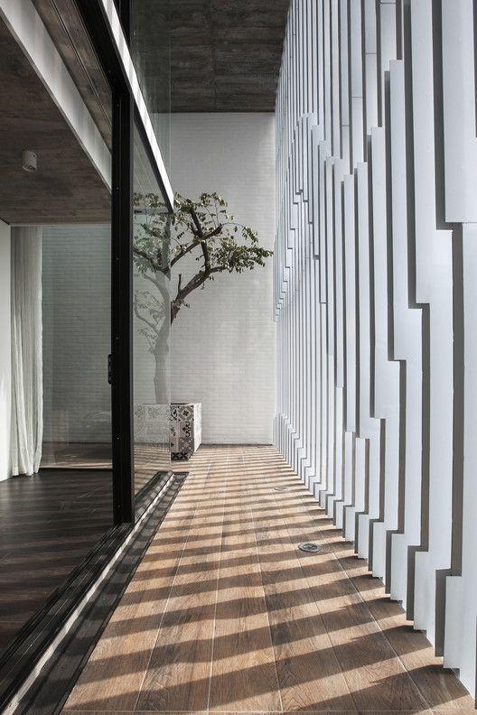 7x18 House,© Hung Dao