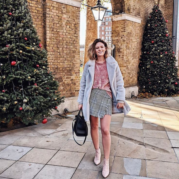 Happiest when sandwiched between two Christmas trees  whole outfit by @primark  handbag by @mulberryengland | @a_littleobsessed