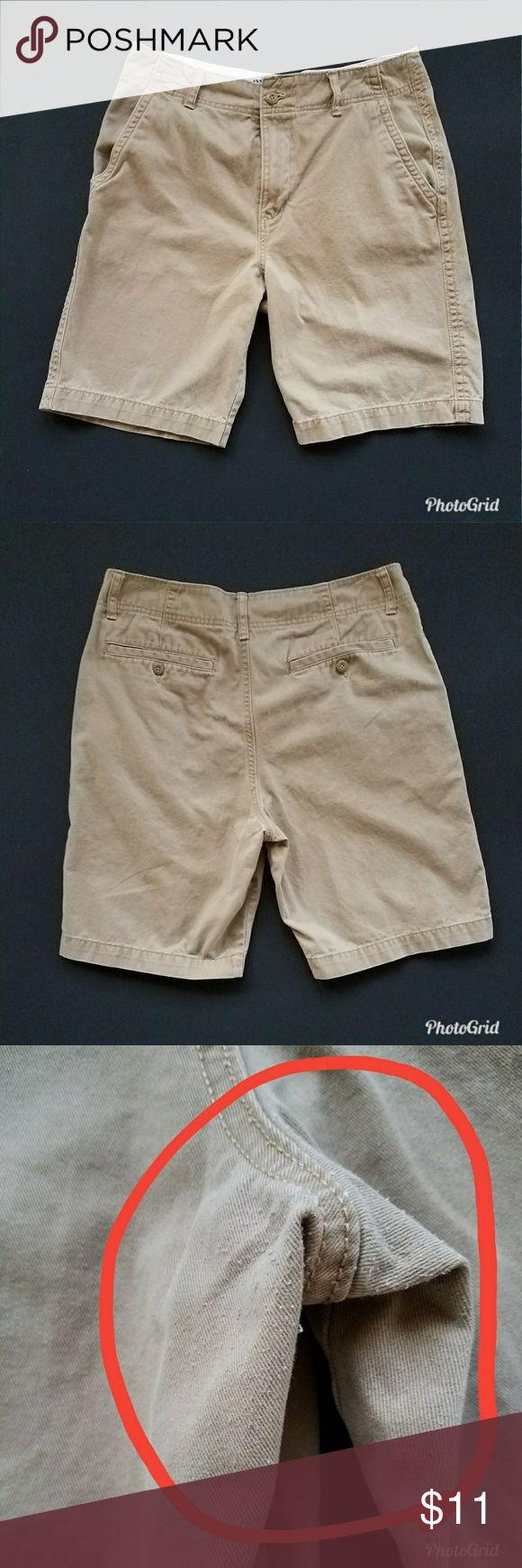 Men's Khaki Shorts Old Navy Khaki Shorts. Has some wear to them. Old Navy Shorts