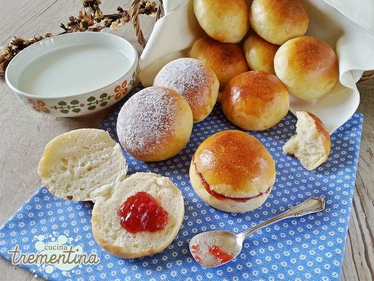 I panini al latte sono tra i più utilizzati e versatili in cucina. Per preparazioni sia dolci che salate, brunch, happyhour, antipasti, colazione e merenda.