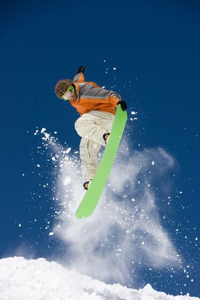 Indoor skiën of snowboarden bij Montana Snowcenter in Westerhoven. Geniet van de afdaling en... geniet van de après-ski. #skiing #snowboarding