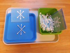 Auf Pinterest habe ich diese Legearbeit gesehen:      Die Vorlagen für die Kärtchen findet man auf playdoughtoplato.com          Aber die Ki...