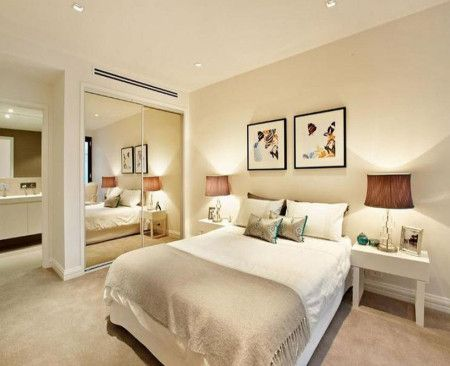 Cream Colours Classic Bedroom Design Idea With Carpet & Built In Wardrobe - Bedroom