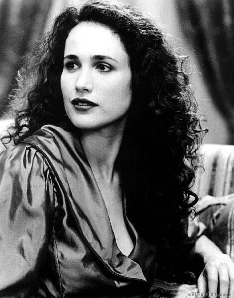 andie-macdowell-young-before-face-lift.jpg (471×600)