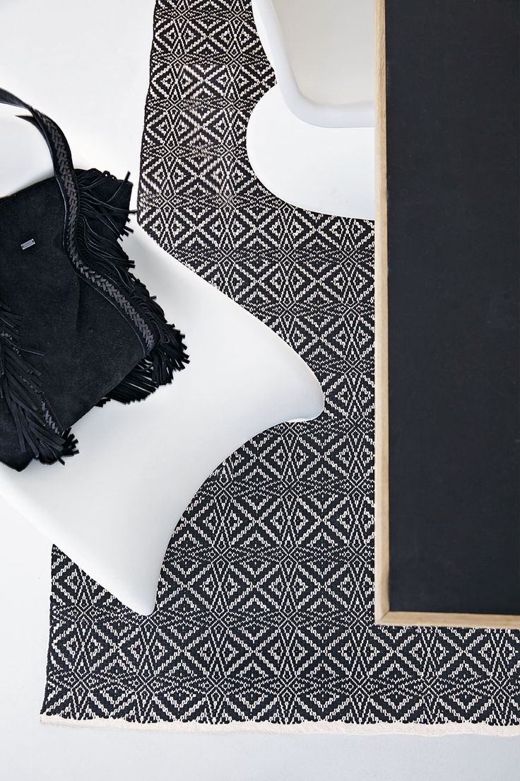 A new STAR is born! Enjoy this lovely rug in 55x120cm - 70x200cm - 140x200cm - 200x300cm