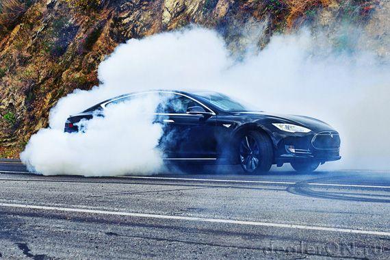 По цене Tesla Model E будет позиционироваться против BMW 3 серии, говорит инсайдер | Новости автомира на dealerON.ru