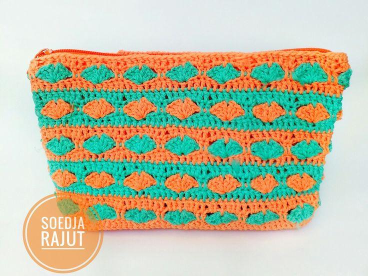 Soedja Rajut make up pouch