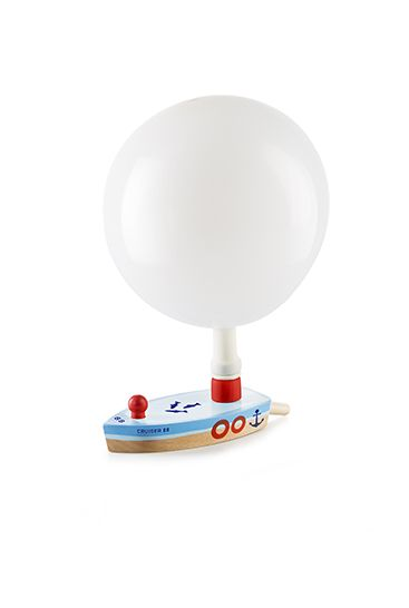 En klassik træbåd med ballon - se den sjove ballon båd på markwaldorf.dk. Vi har mange forskellige ting til børn - se vores retro legetøj her.