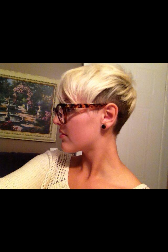 Short Edgy Two Tone Hair Hairstyles Short Hair Styles