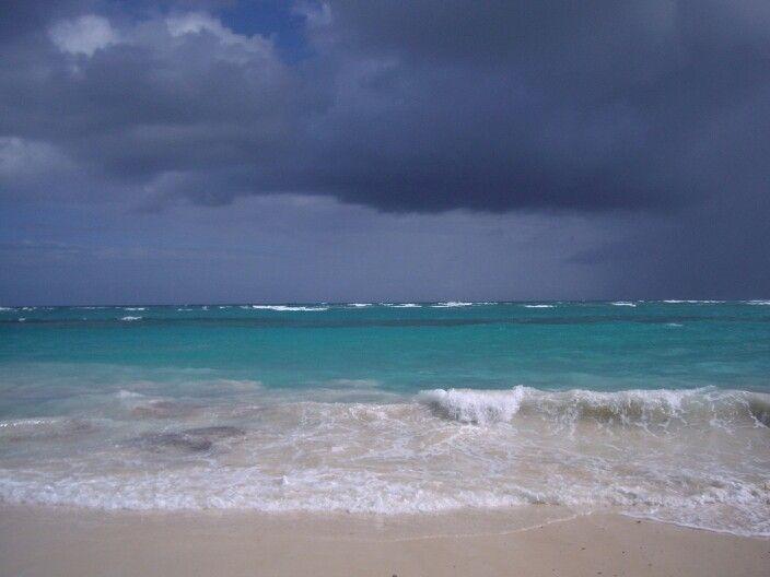Amenaza lluvia? Punta Cana. Rep. Dominicana/ Who think it's going to rain? Punta Cana. Rep. Dominicana