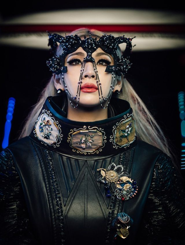 CL is a symbol of the global pop golden age to come. We talk to the Seoul-born superstar about her upcoming solo LP. Hello bitches indeed.