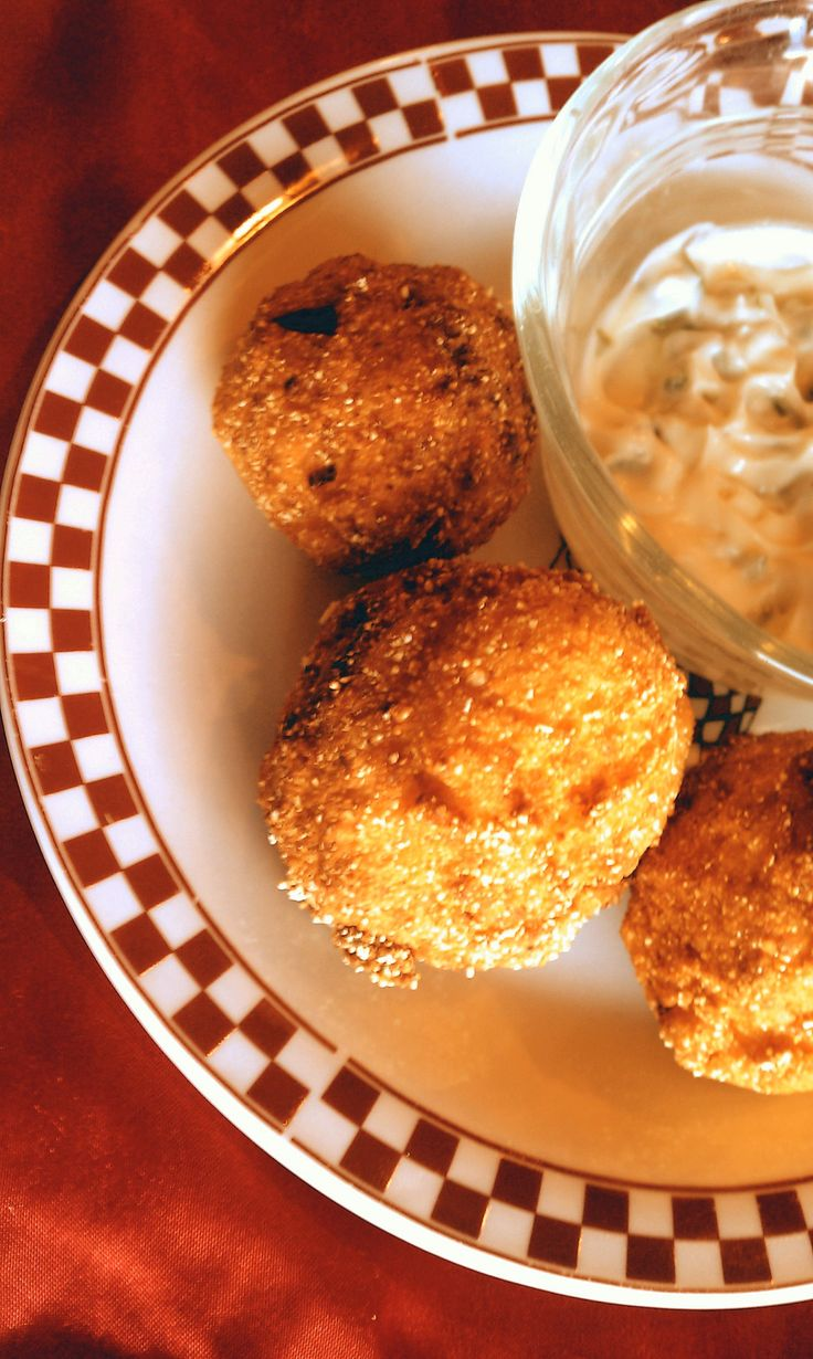 Heavenly Hush Puppies   By: Down Home Delicious®   A Taste of Down Home Delicious®   Down Home Delicious® Extravaganza   Hush Puppies make a wonderful appetizer or side dish for fried fish, shrimp,  oysters, or other seafood dishes, with or without tartar sauce.   From:  downhomedelicious.com