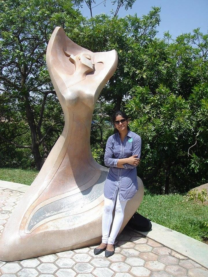 Manjusha Jain looks so picture perfect in this W kurta. #WLoverInCity