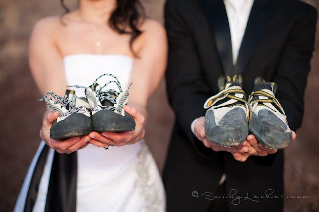 wedding photo idea/ rock climbing wedding