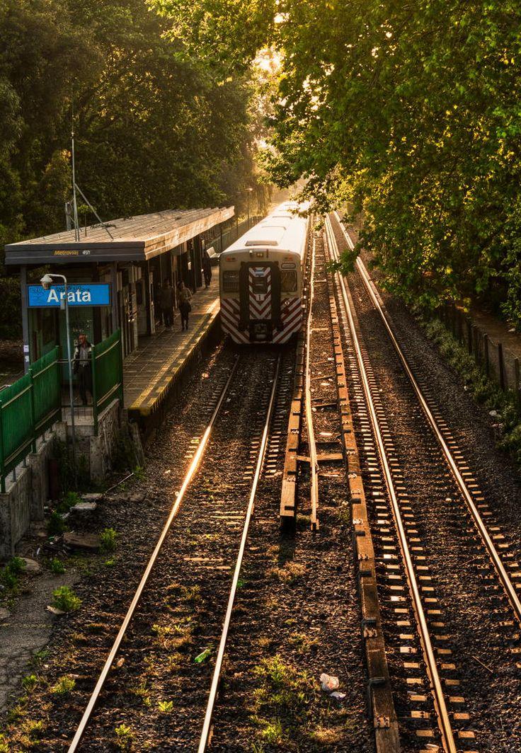 Estación de tren 'Arata'- Barrio de Agronomía y La Paternal, CABA, Argentina / por Pablo  en 500px