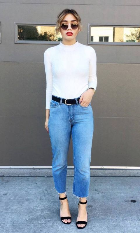 35 Fall Jean Outfit Ideas to Copy | white turtleneck + baggy mom jeans