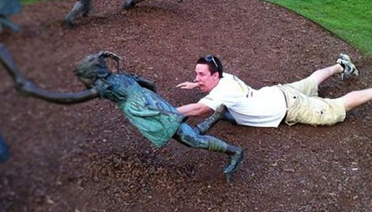 Funny Pictures Of Hilariously Messing With Statues - Statue Mischief