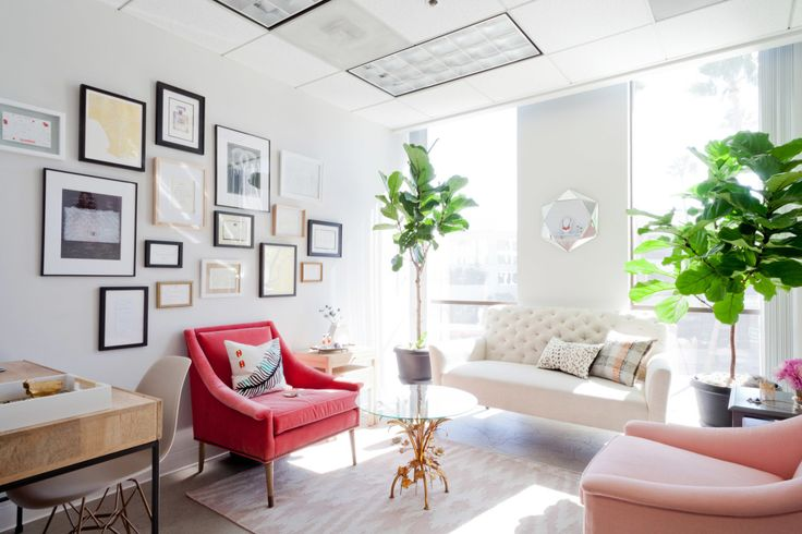 """No longer satisfied with the standard cubicle layout, Sara Andréasson and Jill Cooper, cofounders of <a href=""""http://michelemariepr.com/"""" target=""""_blank"""">Michele Marie PR</a>, brought in Homepolish's Stefani Stein to make their Beverly Hills office into a space that reflects their creative PR company."""