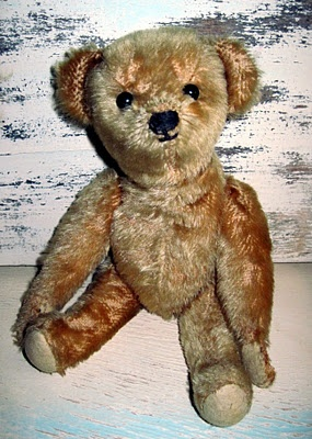 Tracy's Toys (and Some Other Stuff): A Little Antique Teddy Bear