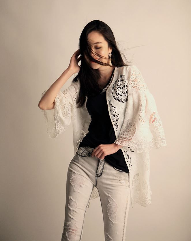 Korea feminine clothing Store [SOIR] Race Trumpet Cardigan / Size : Free / Price : 36.28USD #korea #fashion #style #fashionshop #soir #feminine #special #lovely #luxury #cardigan #white