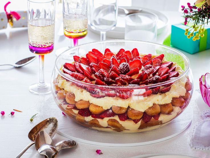 Wow your loved ones on Christmas Day with this show-stopping strawberry tiramisu recipe! Featuring layers upon layers of desserty goodness, this dish is sure to be a star