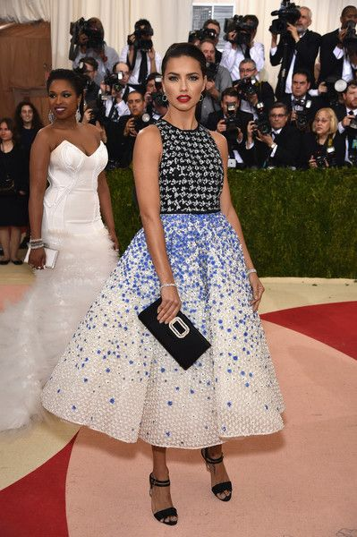 """Model Adriana Lima attends the """"Manus x Machina: Fashion In An Age Of Technology"""" Costume Institute Gala at Metropolitan Museum of Art on May 2, 2016 in New York City."""