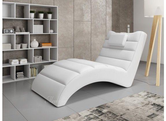 Chaise longue - Liam - Wit - Leer. Chaise longue Liam is een comfortabele lounge stoel. De ligstoel heeft een strakke, kunstleren bekleding. De chaise longue is geschikt voor de woonkamer, speelkamer of zelfs slaapkamer en geeft je inrichting net dat extra luxe.