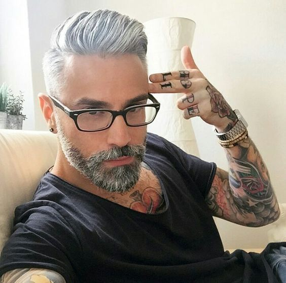Estilo masculino, moda 2019, cabelo masculino #hairstyles #haircut #haircolor #mensfashion #stylish #fashionblogger