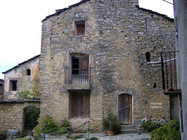 Pueblos deshabitados: El Meüll #pallarsjussa #despoblats #pueblosabandonados Antiga escola del Meüll