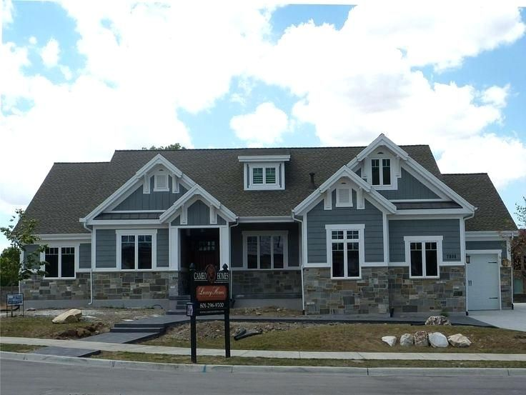 Stone And Siding Color Combinations Vinyl Siding And Brick Combinations Siding Brick Combinat Craftsman Home Exterior Craftsman House Craftsman Exterior Colors