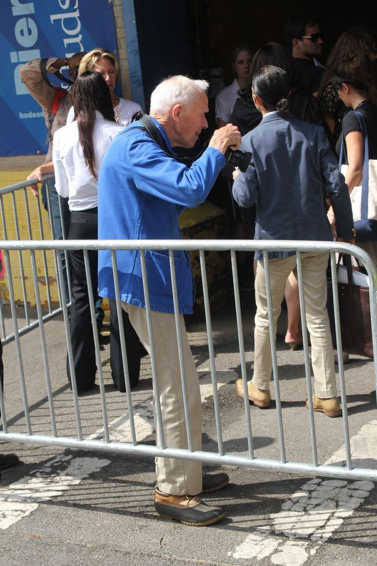 MISTER MORT - THAT UNIFORM! BILL CUNNINGHAM STRONG IN KHAKIS & BLUE WORK JACKET WITH LL BEAN WET DAY SHOES ~ NYFW