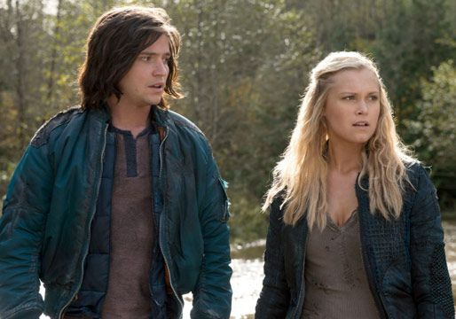 The 100's Thomas McDonell Reveals Finn and Clarke's New 'Obstacle' -- Plus: An Exclusive Clip