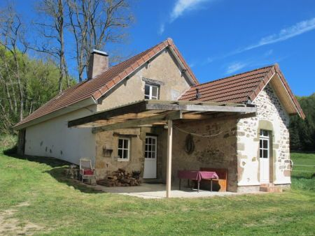 House for sale in Autun, France : Renovated Farmhouse