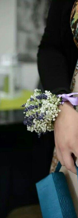 Bracciale di lavanda  e velo da sposa