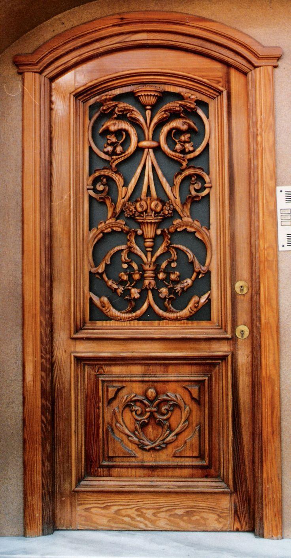 Puerta entrada bloque tallada a mano en madera de pino Tea.