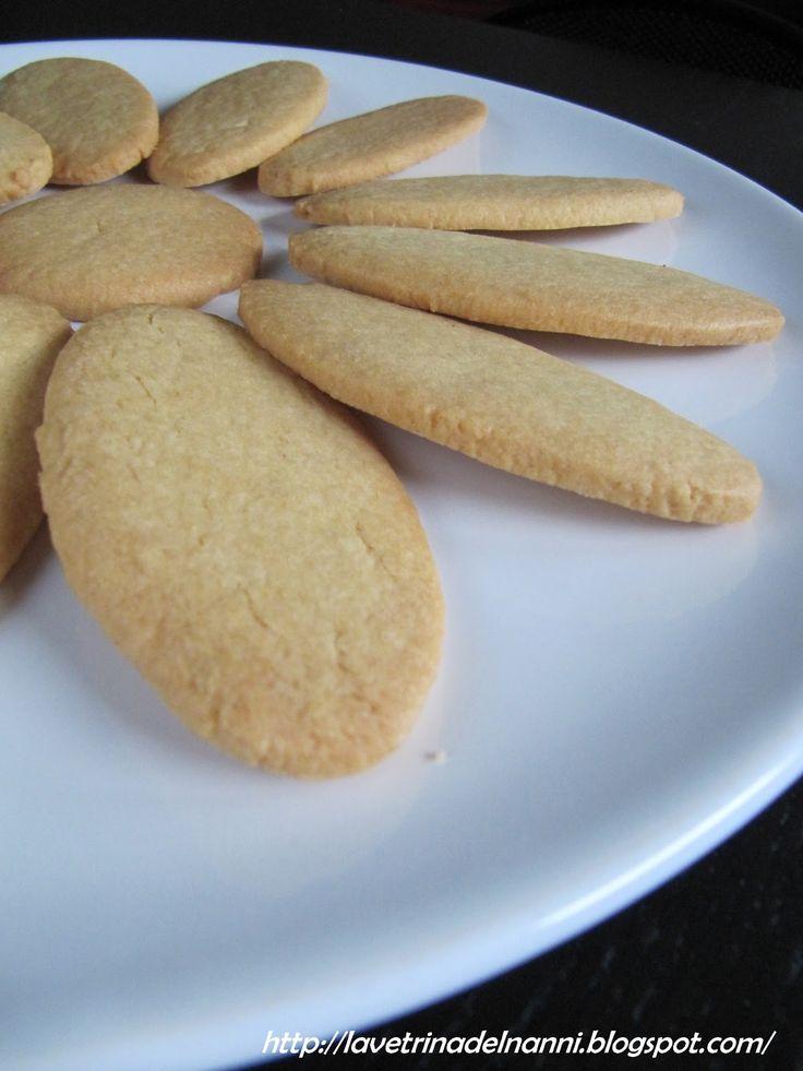 """Le Offelle definite anche """"il dolce vanto di lomellina""""sono i biscotti tipici di Parona , un piccolo centro della Lomellina pavese. L..."""