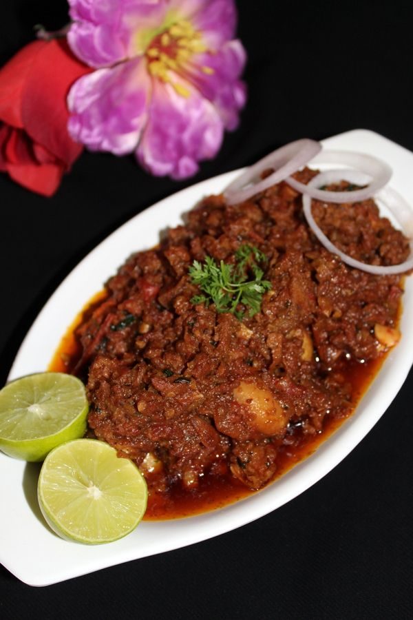 Mutton Keema Recipe is a gravy curry recipe made with minced meat or it is usually called as mutton kheema or mutton keema. It is a recipe eaten with roti..