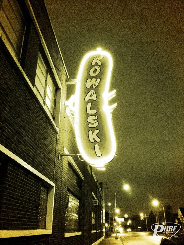 Nighttime in Hamtown. PUREDETROIT.com