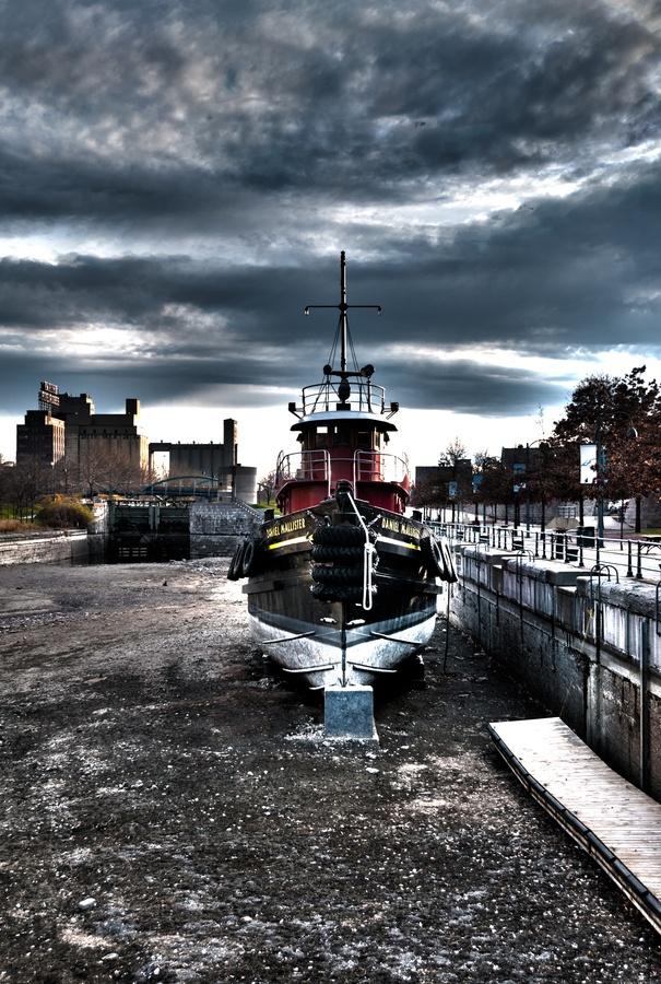 La bateau à quai