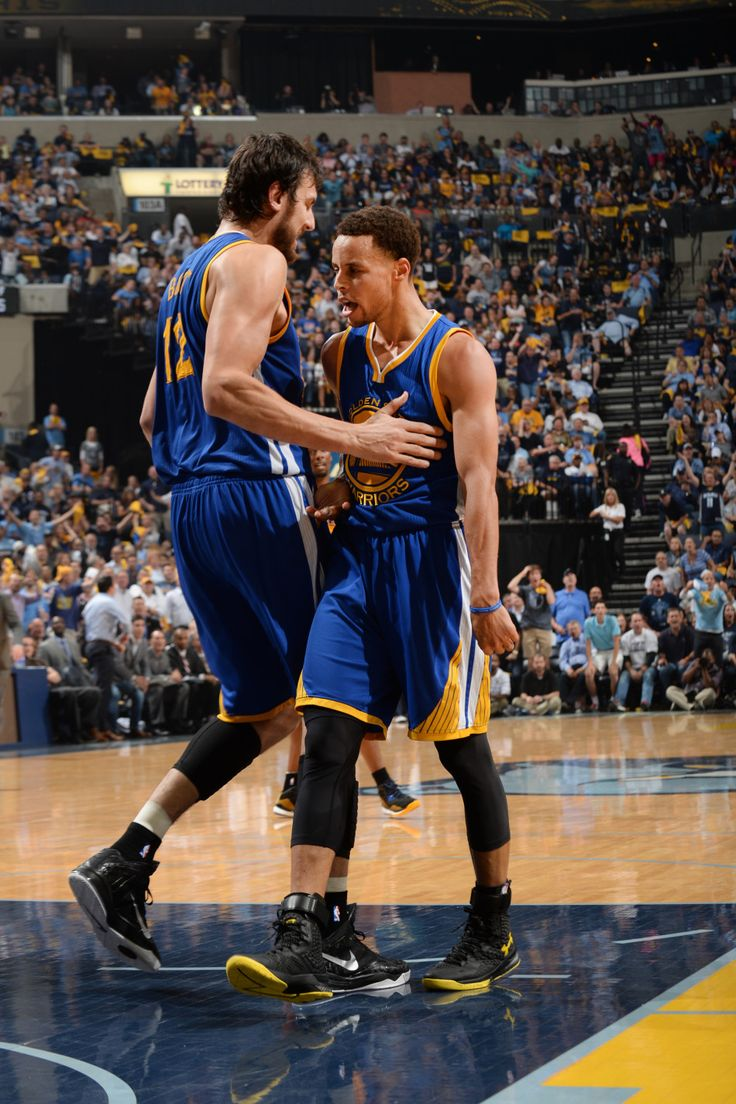 Andre Bogut and Steph / The Hardwood