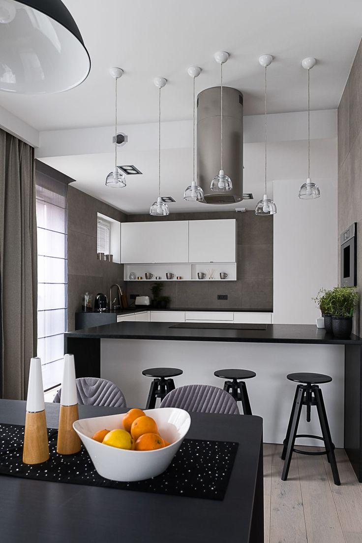Kuchnia i jadalnia   tryc.pl #tryc #JacekTryc #furniture #kitchen #interiordesigner #design #minimalizm #table #livingroom #lighting #chairs #interiors #kuchnia #projektowanie #warszawa #architekt #wnętrza