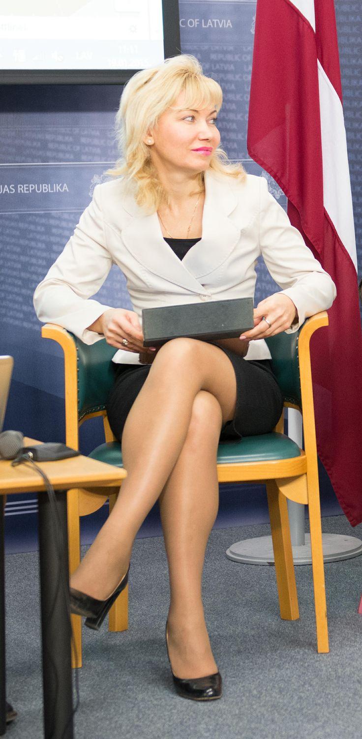 1134 Najboljše slike o ženskih političarkah na Pinterestu-7984