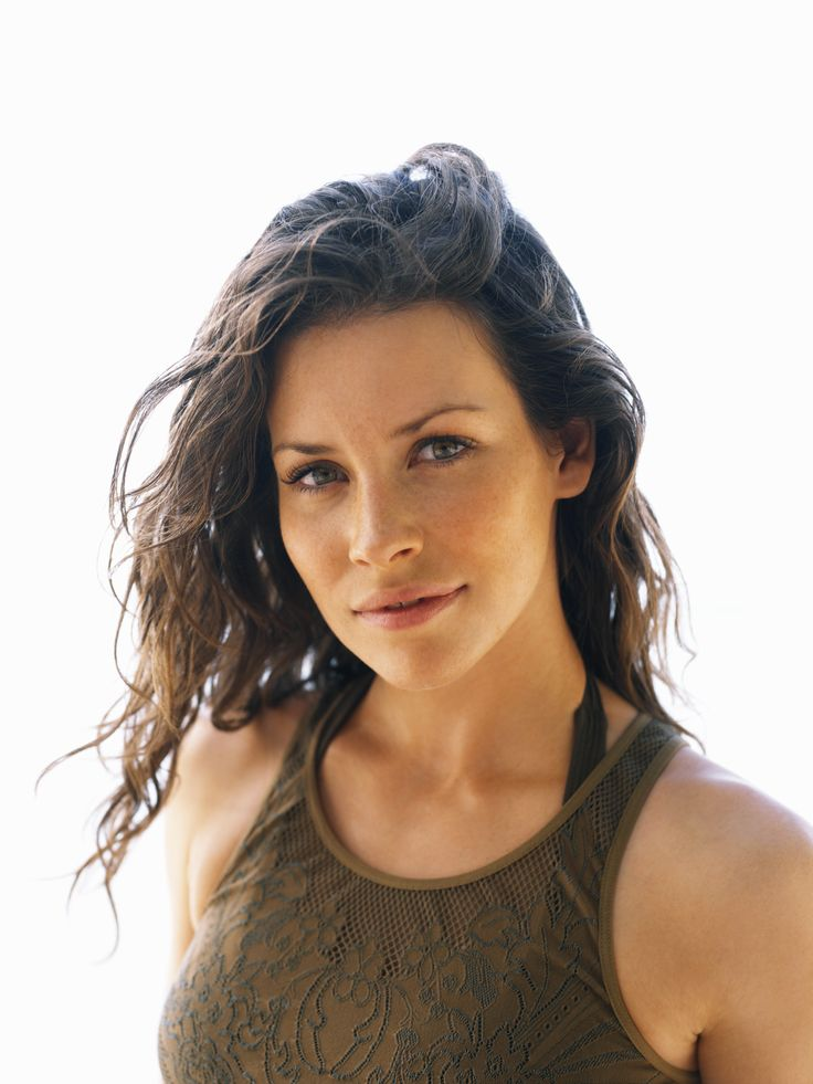 "Lost S2 Evangeline Lilly as ""Katherine 'Kate' Austen"""