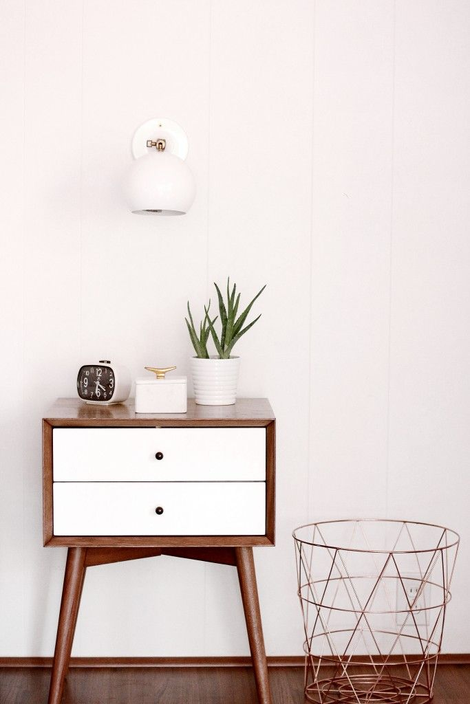 Best 25+ Bedside Table Decor Ideas On Pinterest | White Bedroom Decor,  White Bedroom Furniture And White Bedroom Part 45