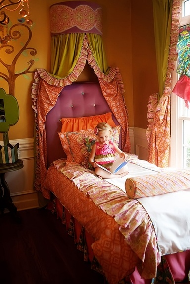 Perfect bedding for your pre-teen girl. Love the twin beds - great for sleepovers! Such beautiful, bold colors!