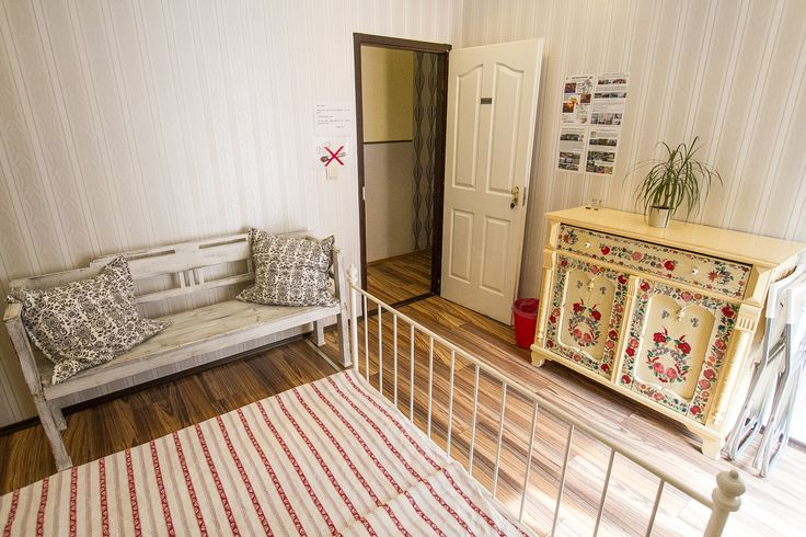 This beautiful double room comes with a balcony and it's supercheap! Contact us if you need a good but affordable accommodation in Budapest.